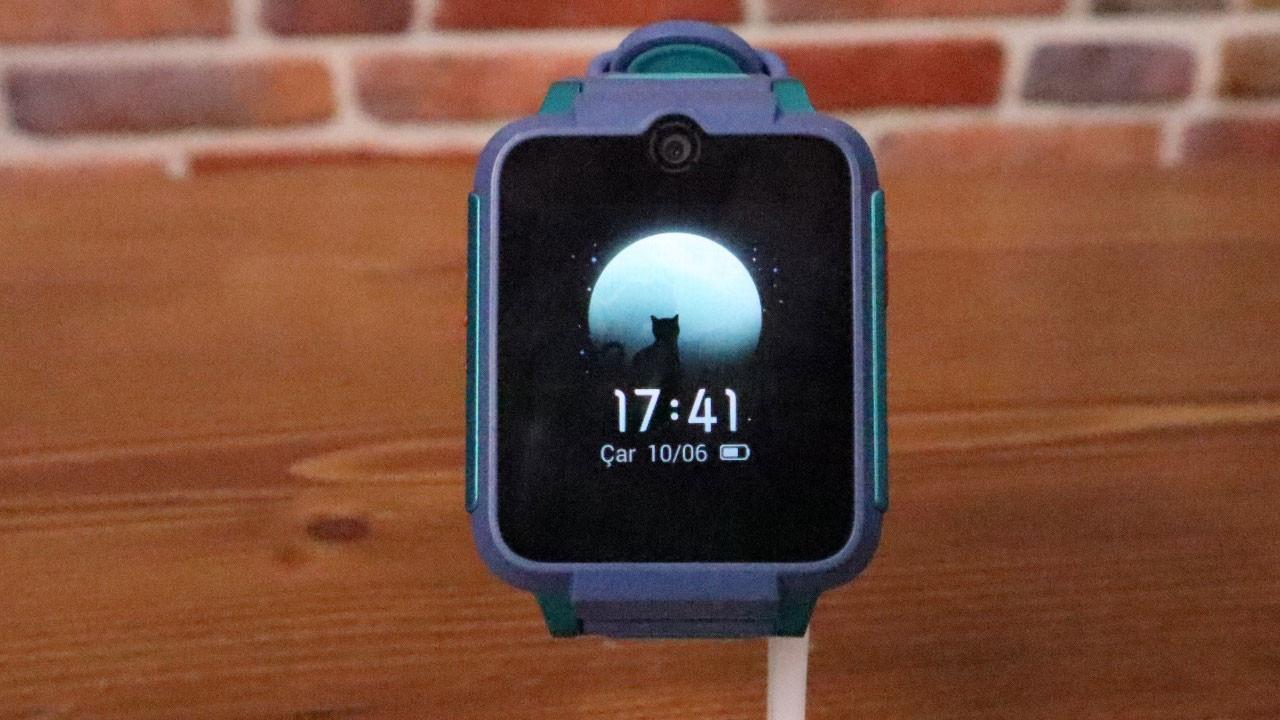 Çocuklara akıllı saat: TCL MoveTime MT42