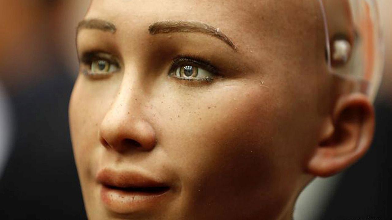 İnsansı robot Sophia ilginç isteğiyle şaşırttı!