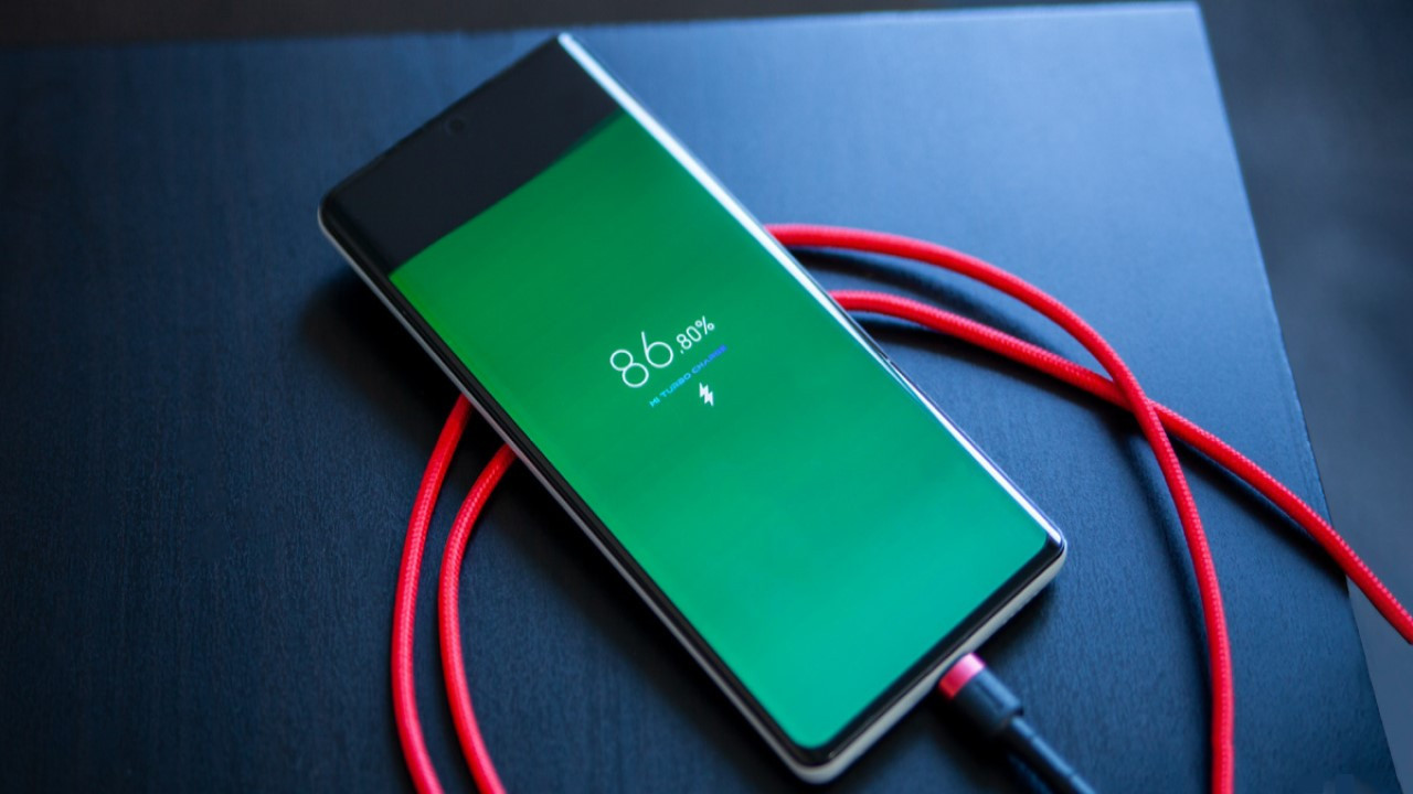 Akıllı telefonunuzun pilini yok eden 5 alışkanlık!