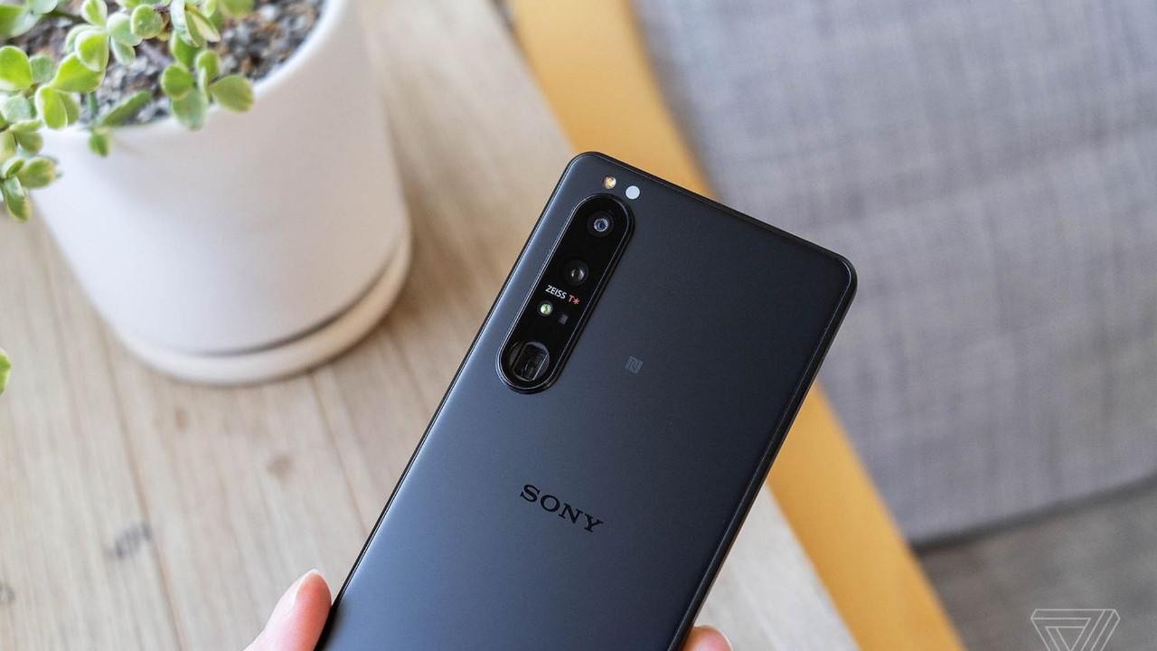 """Sony, 'en iyi akıllı telefon kamerasına sahip"""" cihazını duyurdu!"""