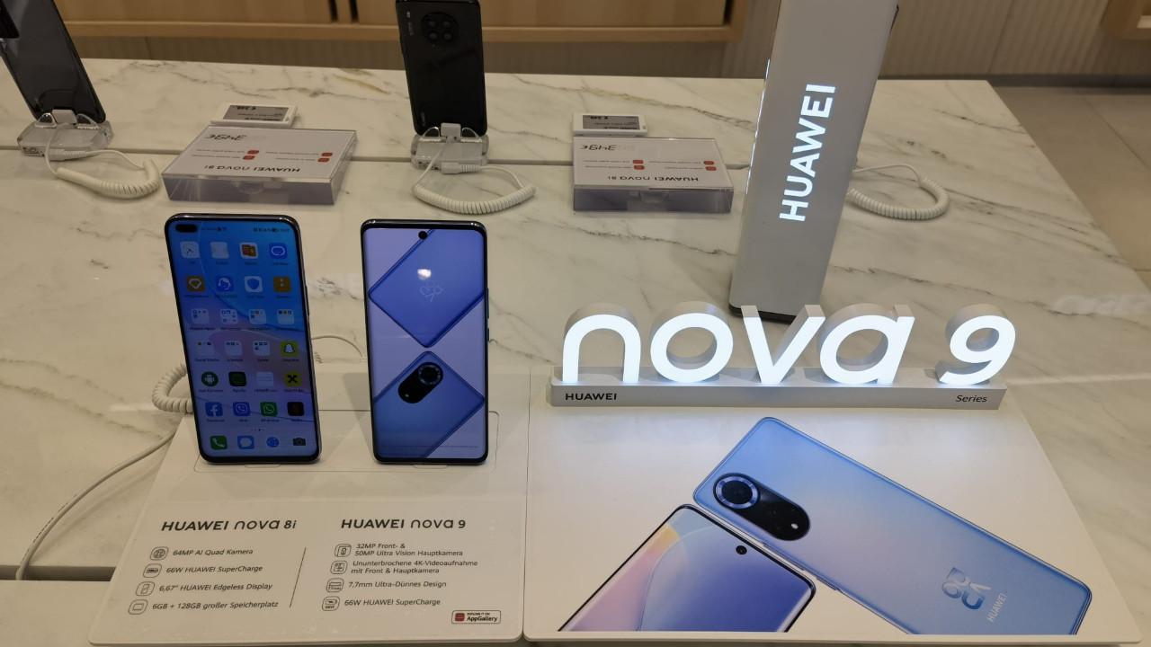 Birileri demiş kral öldü, şimdi de desinler Huawei geri döndü!