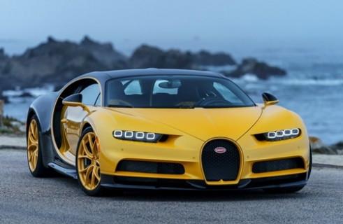 Bugatti, ilk 3 milyon dolarlık Chiron'u teslim etti