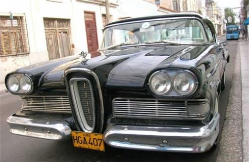 Küba sokaklarında ki klasik otomobiller