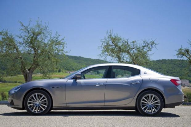 0-100'ü sadece 4.6 saniyede çıkabilen Maserati Ghibli - Page 1