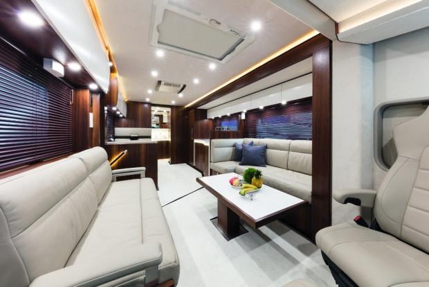 1 milyon dolarlık karavanda bir garaj bile var - Page 2