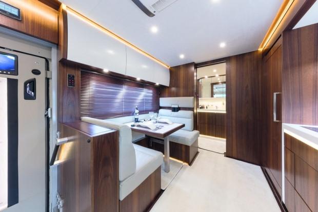 1 milyon dolarlık karavanda bir garaj bile var - Page 4