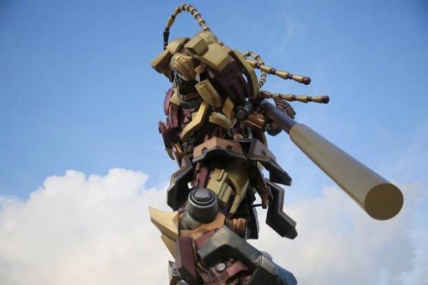 10 metre boyundaki Maymun Kral Transformer robot - Page 2