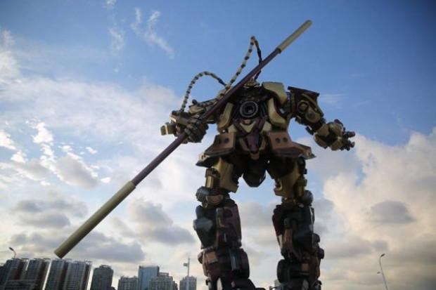 10 metre boyundaki Maymun Kral Transformer robot - Page 3