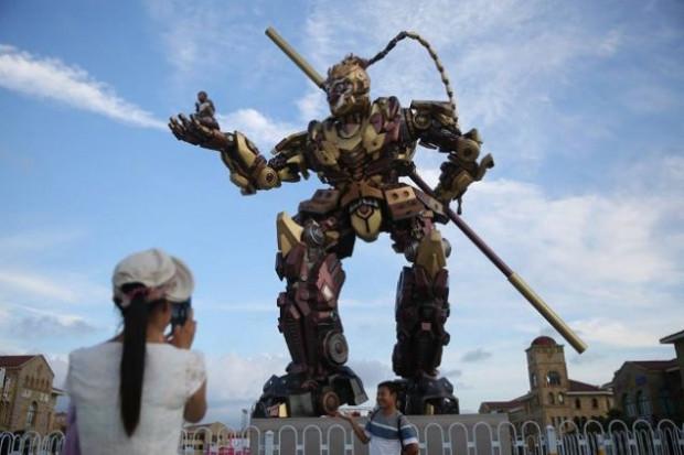 10 metre boyundaki Maymun Kral Transformer robot - Page 4
