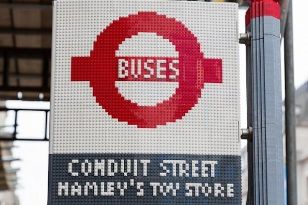 100,000 parça LEGO'dan otobüs durağı! - Page 2