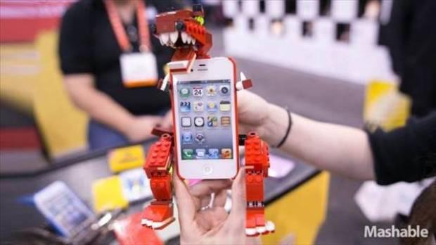 Legolar oyuncak olmaktan çıktı İPhone 5 kılıfı oldu - Page 2