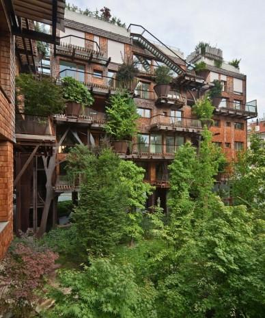 150 ağaçla muhteşem bir bina yaptı - Page 3