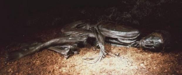 2 bin 400 yaşındaki cesedin son yedikleri bile midesinde! - Page 1