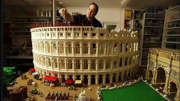 200 bin parça legonun muhteşem şovu! - Page 1