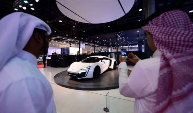 2013 Katar Otomobil Fuarındaki canavarlar - Page 1