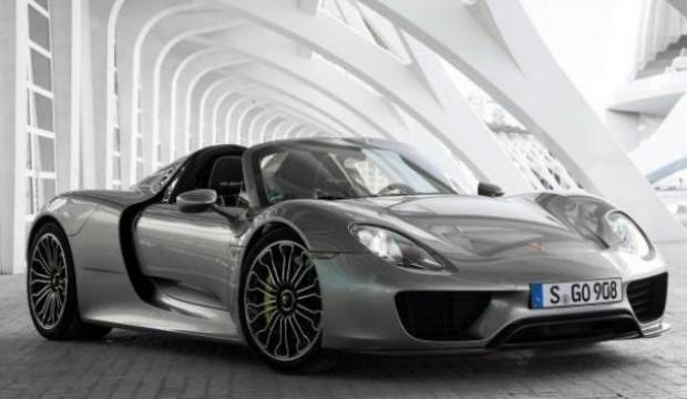 2014 model Porsche 918 Spyder - Page 1