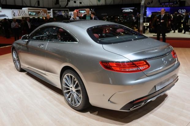 2015 Mercedes-Benz'e, Apple el attı! - Page 1
