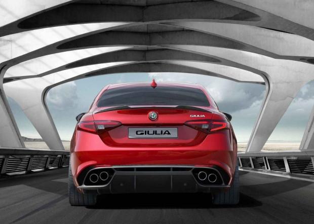 2016 Alfa Romeo Giulia'nın iç tasarımı gözüktü - Page 3