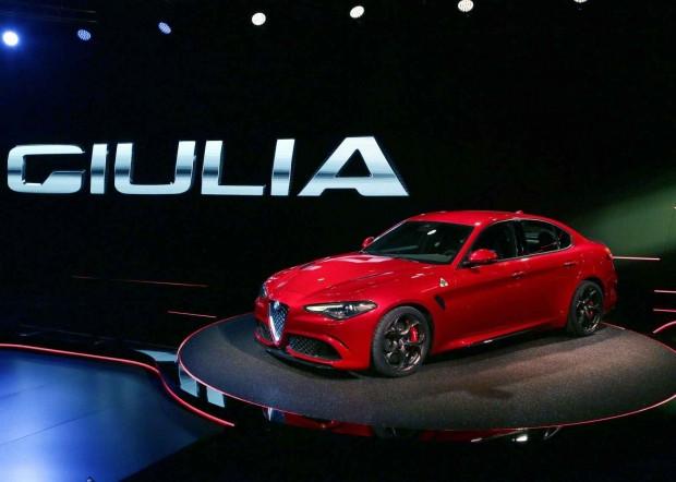 2016 Alfa Romeo Giulia'nın iç tasarımı gözüktü - Page 4