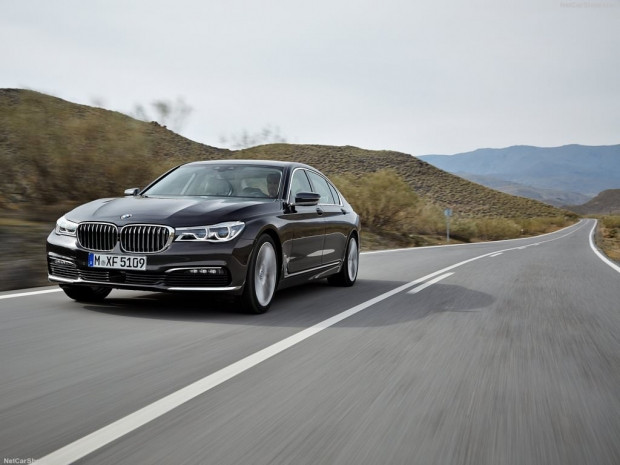 2016 BMW 7-Series - Page 3
