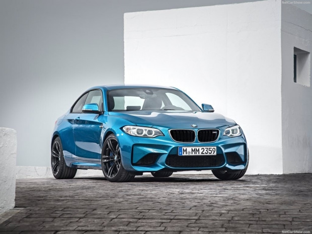 2016 BMW M2 Coupe - Page 4