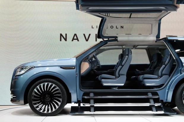 2016 Lincoln Navigator kendine hayran bıraktı! - Page 1