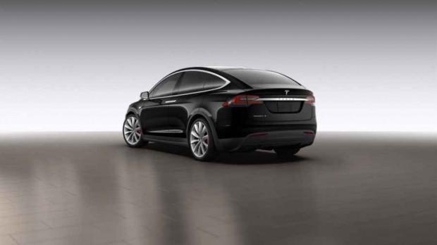 2016 Tesla Model X'in ilk fotoğrafları ve özellikleri - Page 1