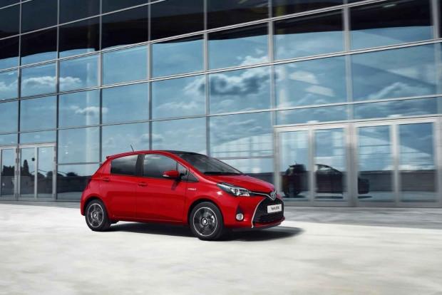 2016 Toyota Yaris makyaj özellikleri - Page 2