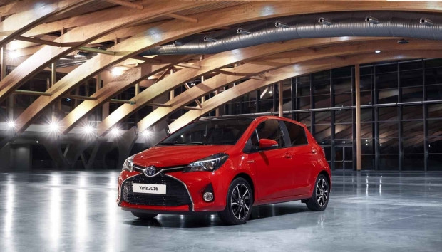 2016 Toyota Yaris makyaj özellikleri - Page 4