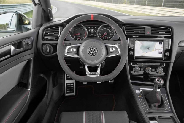 2016 Volkswagen Golf GTI Clubsport özellikleri belli oldu - Page 2