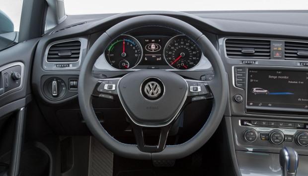 2016 VW E-Golf - Page 2