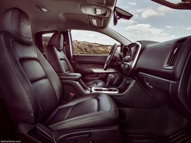 2017 Chevrolet Colorado ZR2 - Page 3