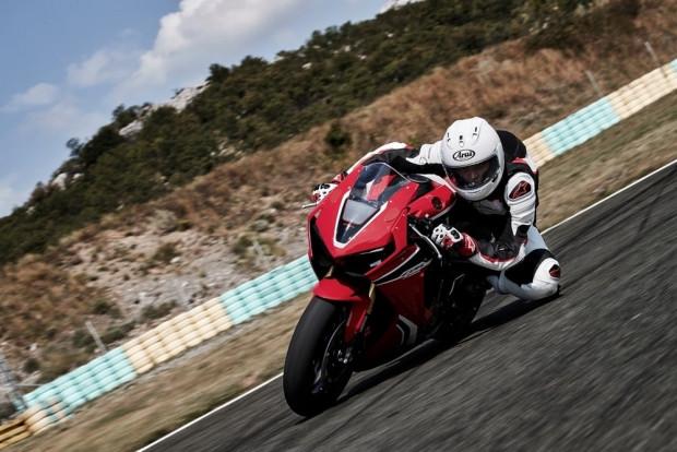 2017 Honda CBR1000RR motorsiklet - Page 1