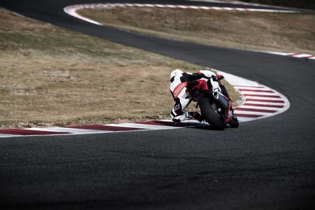 2017 Honda CBR1000RR motorsiklet - Page 3