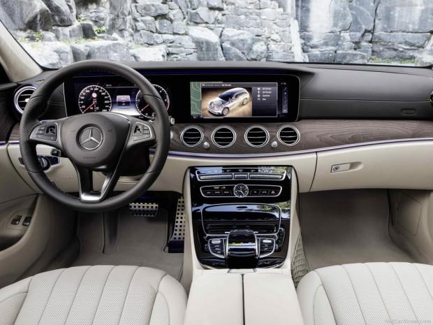 2017 Mercedes-Benz E-Class All-Terrain - Page 3