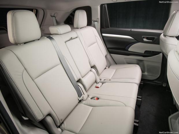 2017 Toyota Highlander - Page 1