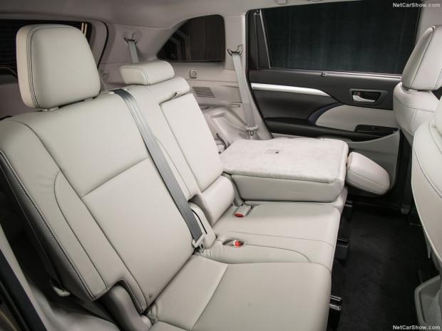 2017 Toyota Highlander - Page 3