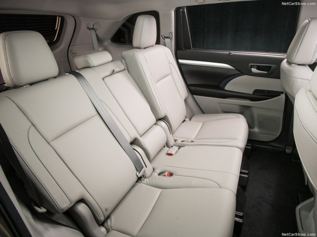 2017 Toyota Highlander - Page 4