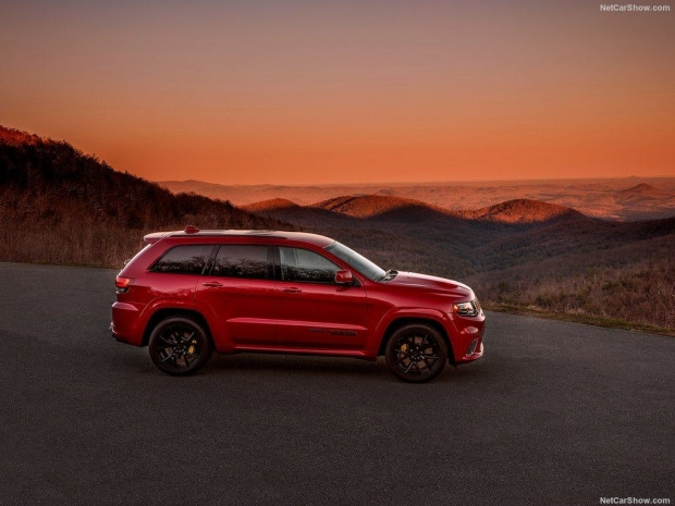 2018 Jeep Grand Cherokee Trackhawk - Page 4