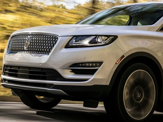 2019 Lincoln MKC - Page 2