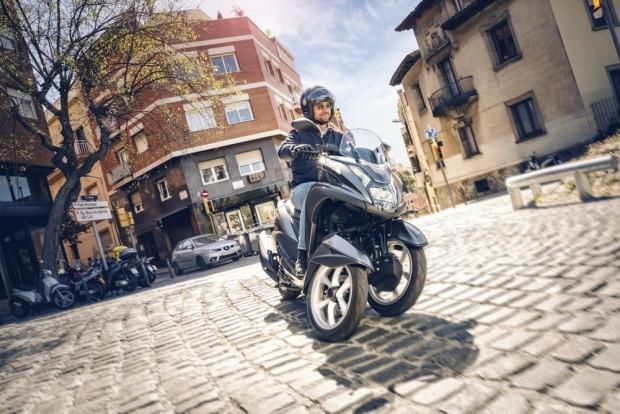 3 tekerlekli Yamaha Tricity 155 - Page 1