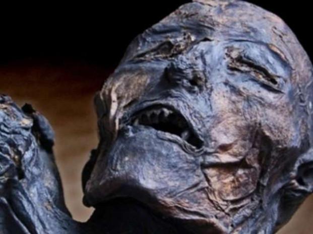 300 yıllık ceset mangal kömürü sayesinde bozulmadı! - Page 1
