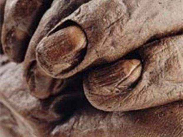 300 yıllık ceset mangal kömürü sayesinde bozulmadı! - Page 2