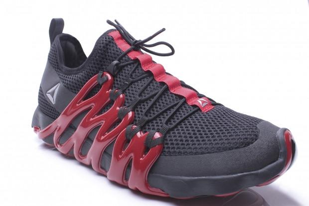 Enerji geri dönüşlü tabanlı ilk ayakkabı Reebok Liquid Speed - Page 2