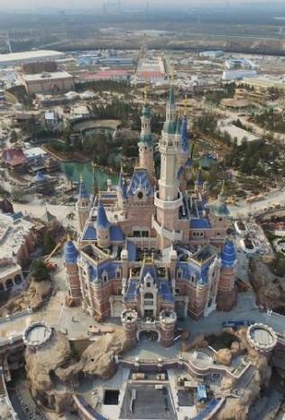 5.5 milyar dolarlık Disneyland Haziranda açılıyor! - Page 2