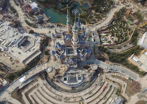 5.5 milyar dolarlık Disneyland Haziranda açılıyor! - Page 4