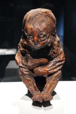 6 Bin 500 yaşındaki bebek mumya! - Page 1