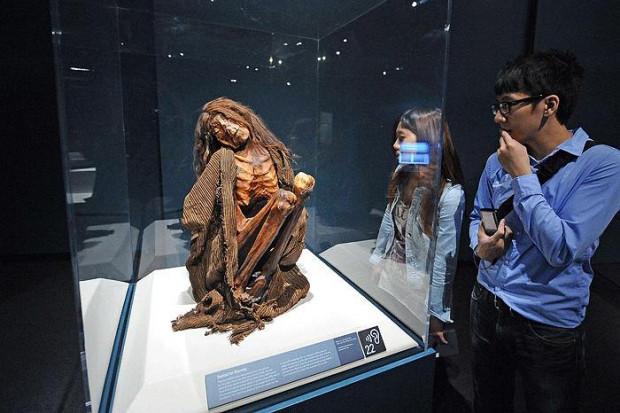 6 Bin 500 yaşındaki bebek mumya! - Page 2