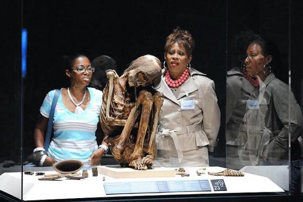 6 Bin 500 yaşındaki bebek mumya! - Page 3