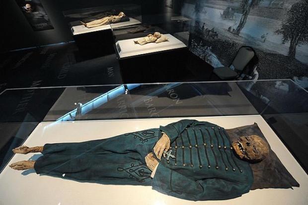 6 Bin 500 yaşındaki bebek mumya! - Page 4